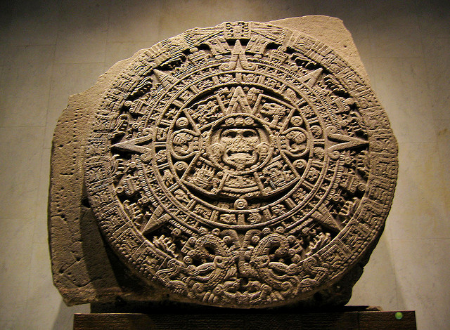 Aztec Sun Stone by Xuan Che and shared under CCO license at https://www.flickr.com/photos/69275268@N00/4419055059/.