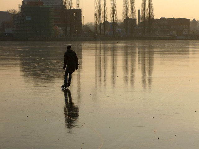 Skater on Rummelsburg Bay, Berlin. CC0 Public Domain, courtesy Pixabay.com
